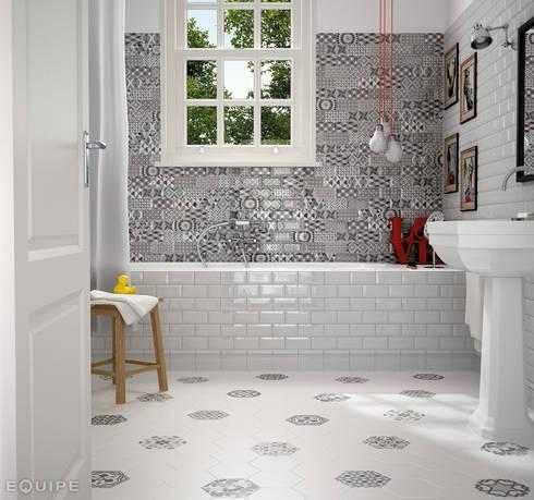 Metro White, Decor Patchwork B&W 7,5x15 : Baños de estilo ecléctico de Equipe Ceramicas