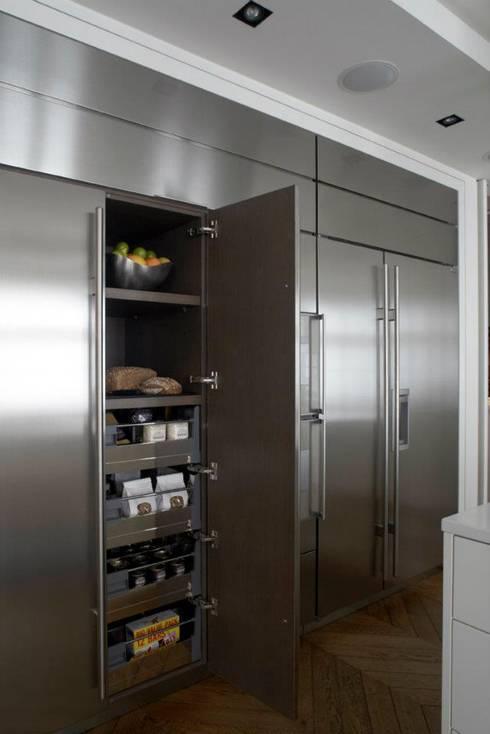 Chelsea Apartment: modern Kitchen by TLA Studio