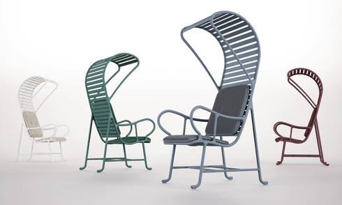 Gardenias - diseño de Jaime Hayon: Balcones y terrazas de estilo  de Alesta® de Axalta Coating Systems