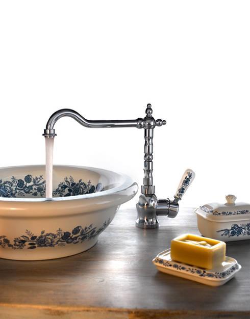 Baños de estilo clásico por Ramon Soler