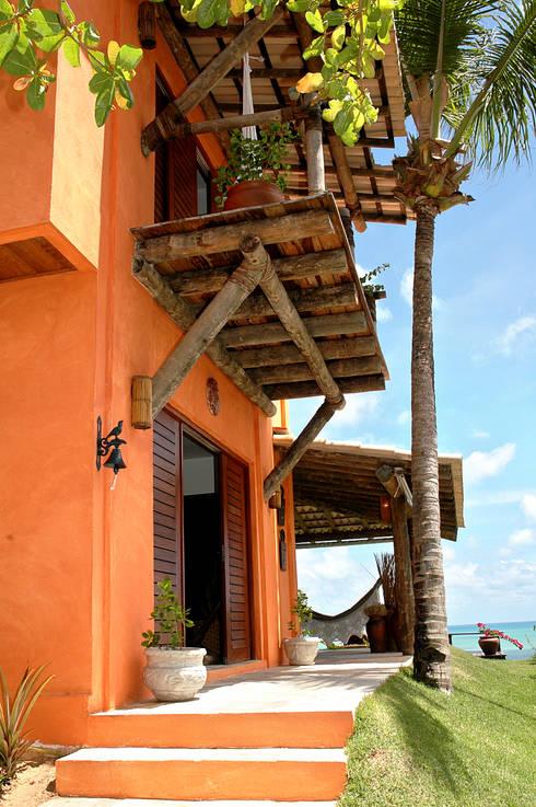 Casas de estilo  por Isnara Gurgel - Arquitetura + Interiores