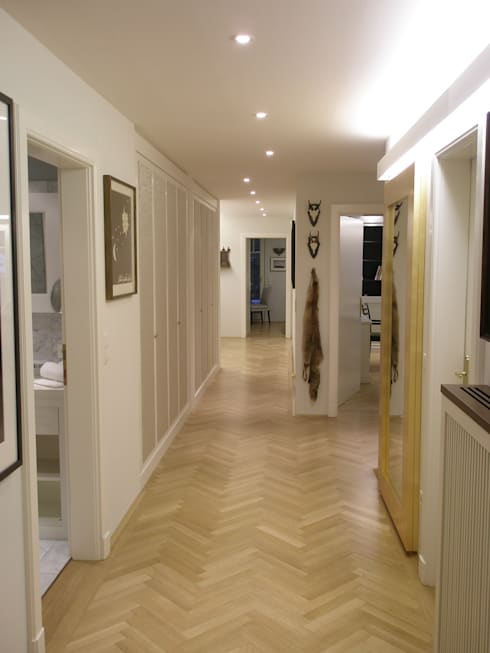 Corridor & hallway by Elke Altenberger Interior Design & Consulting