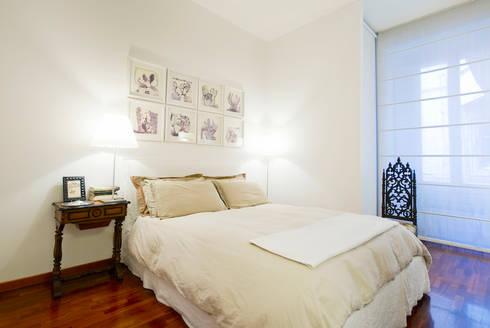 APPARTAMENTO (ROMA – PRATI): Camera da letto in stile in stile Classico di Studio Guerra Sas