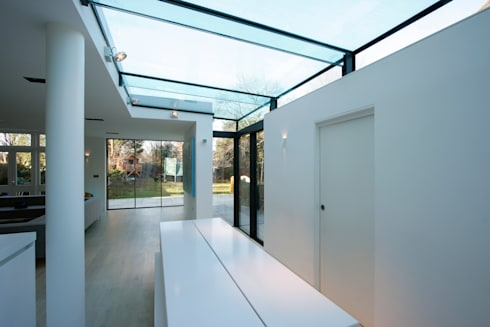 Dovercourt Road : modern Dining room by IQ Glass UK