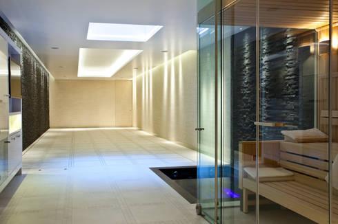Moving Floor Pool: modern Pool by London Swimming Pool Company