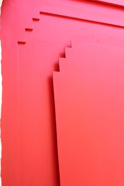 Via Chiesa 5:  in stile  di Studio Ricciardi Architetti