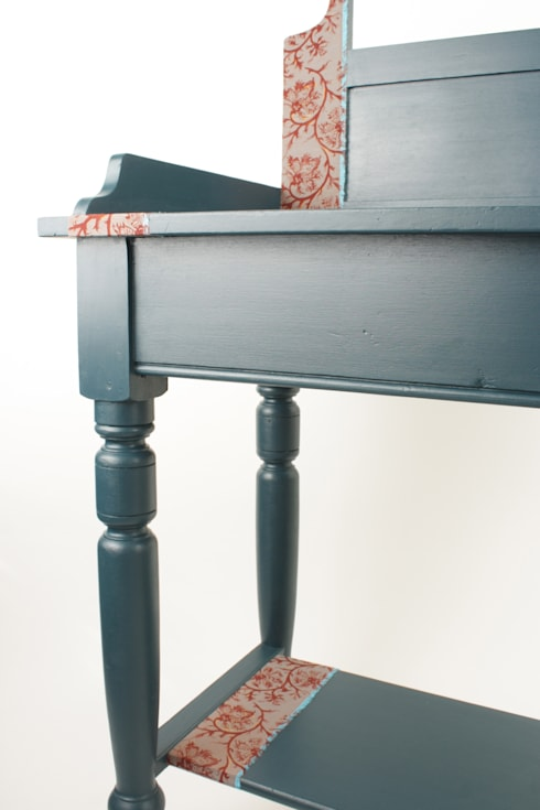 Upcycled vintage washstand: eclectic Living room by Narcissus Road Furniture Design
