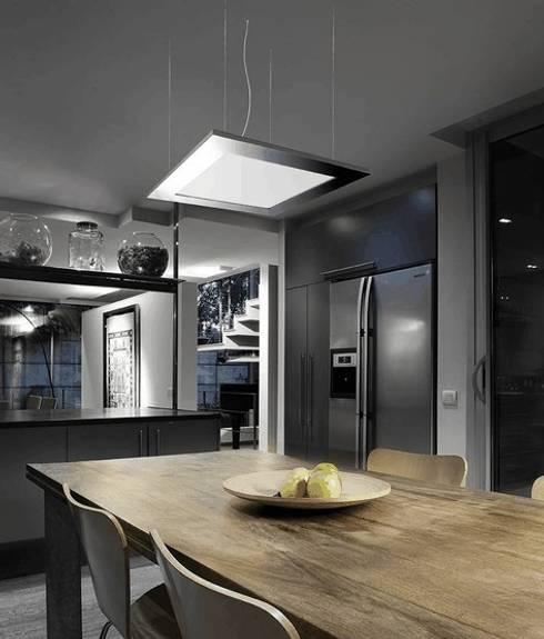 ATENEA REF.PL-023: Cocinas de estilo moderno de Pujol Iluminacion