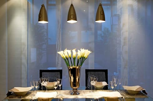 London NW8: modern Dining room by kt-id