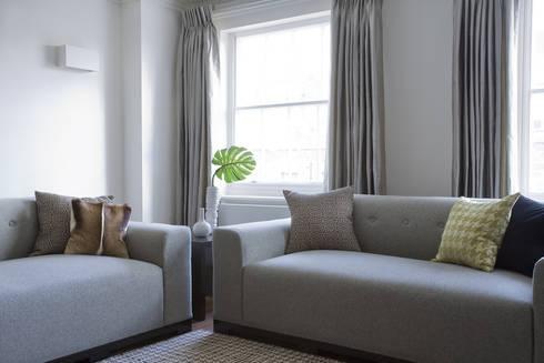 Notting Hill: modern Living room by LEIVARS