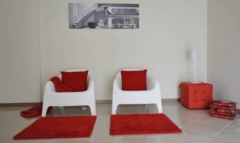 soggiorno: Soggiorno in stile in stile Moderno di Gabriella Sala   Home Staging & Relooking Specialist