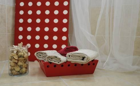 accessori bagno: Bagno in stile in stile Moderno di Gabriella Sala   Home Staging & Relooking Specialist
