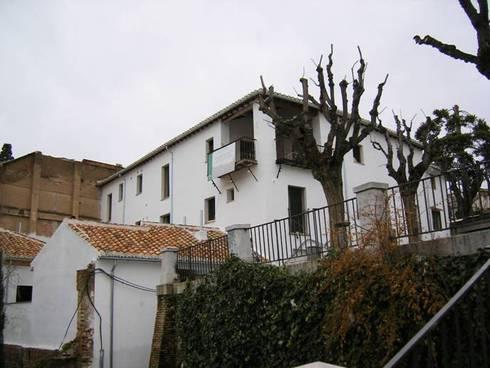 Rehabilitacion de edificio en el Albaicin: Casas de estilo rural de Estudio de Arquitectura_MFP