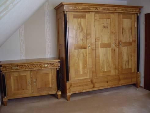 schlafzimmer in massiv kirschbaum de kunst und m beltischlerei conrad homify. Black Bedroom Furniture Sets. Home Design Ideas