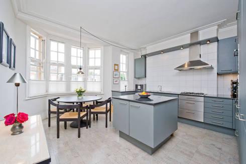 Kitchen: modern Kitchen by 4D Studio Architects and Interior Designers