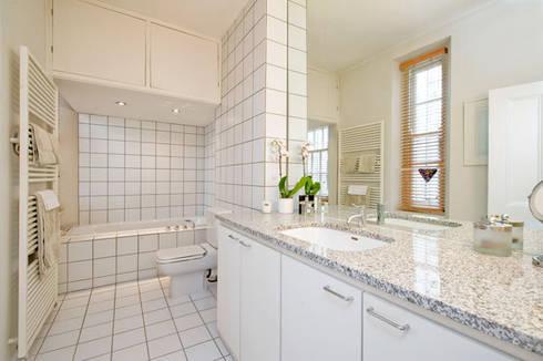 Bathroom: modern Bathroom by 4D Studio Architects and Interior Designers