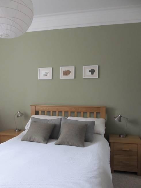Tenement Project :  Bedroom by JPP Interiors