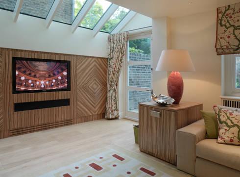 Belgravia: modern Living room by Meltons