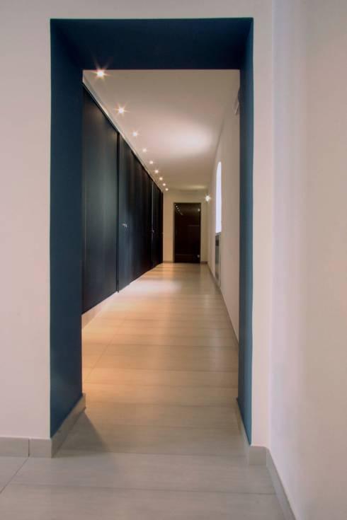 Il Centro Benessere di Villa Bonocore Maletto – San Lorenzo ai colli : Spa in stile in stile Moderno di Studio di Architettura e Design