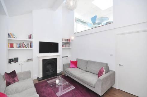 Lindrop Road: modern Living room by Amorphous Design Ltd