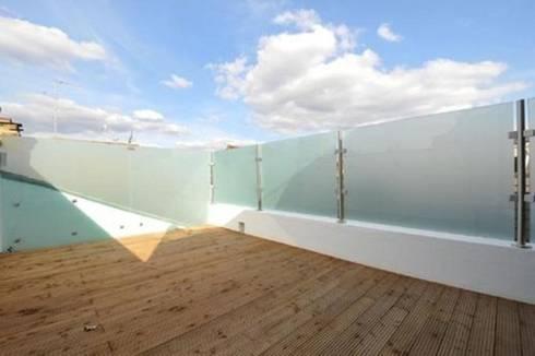 Kilkie Street - Roof Terrace:  Terrace by Amorphous Design Ltd