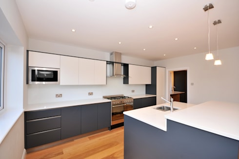 Converted Bungalow : country Kitchen by Model Projects Ltd