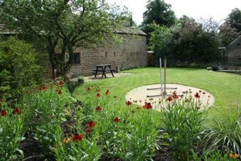 Rural garden by inspired garden design homify for Rural garden designs