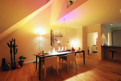 Gemütlich, eleganter Wohn-/ Essbereich: moderne Esszimmer von Wohnwert Innenarchitektur