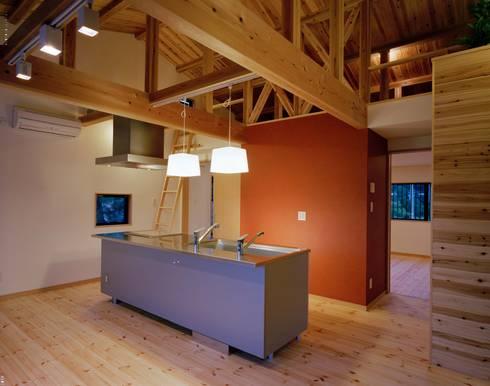 キッチン: 株式会社 遊墨設計が手掛けたキッチンです。