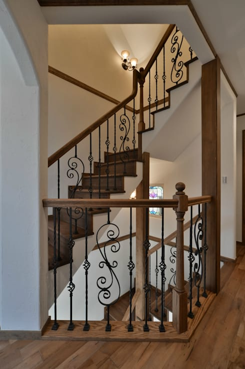 階段.*: 株式会社 盛匠が手掛けた廊下 & 玄関です。
