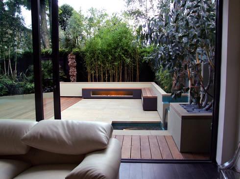 Indoor-outdoor fluidity: modern Garden by MyLandscapes Garden Design