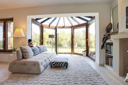 Conservatory: eclectic Living room by Stunning Spaces Ltd