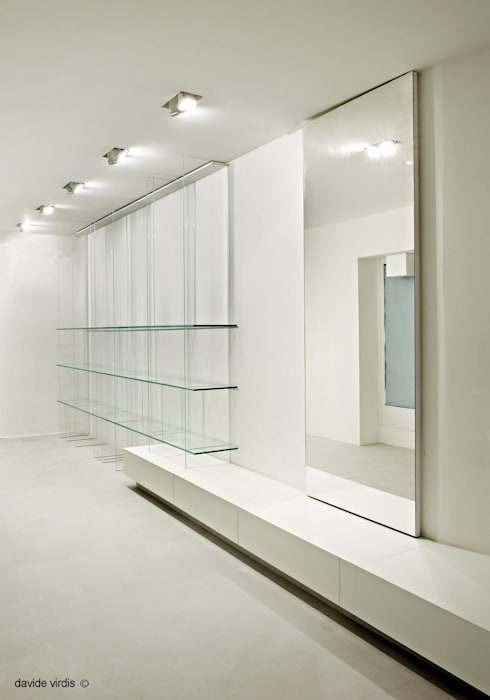 Blendage gallery store: Negozi & Locali commerciali in stile  di beatrice pierallini