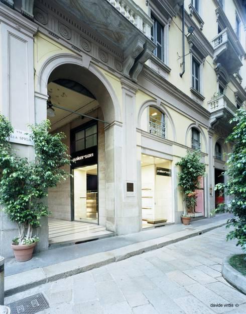 Boutique Pakerson, Milano: Case in stile in stile Classico di beatrice pierallini