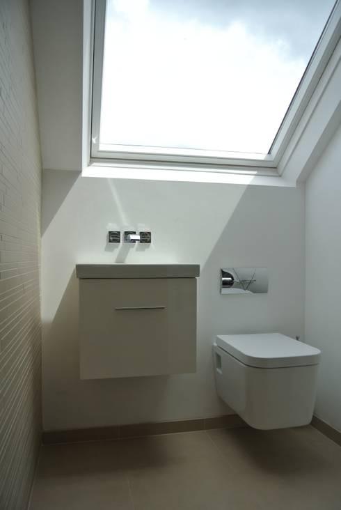 Shower Room: modern Bathroom by STUDIO[01] LTD