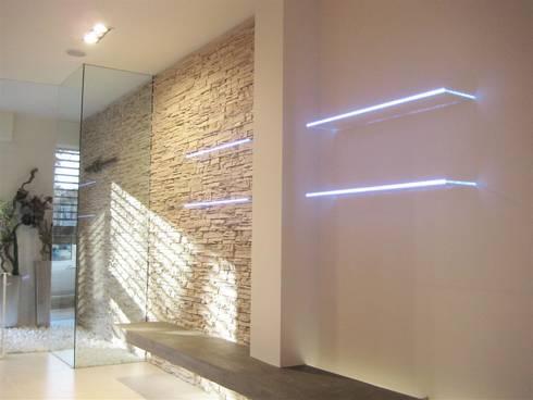 sala attesa: Spa in stile in stile Moderno di studiooxi
