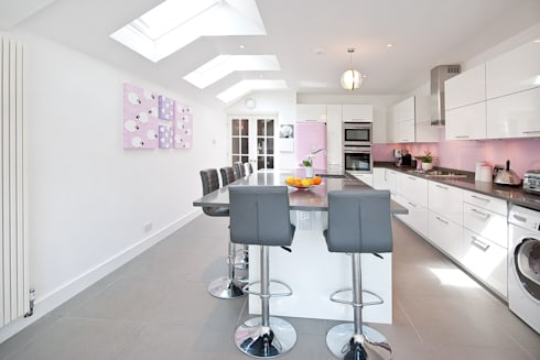 Kitchen Extension: modern Kitchen by A1 Lofts and Extensions
