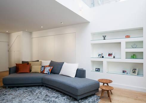 Coldharbour: modern Living room by Poulsom Middlehurst Ltd.