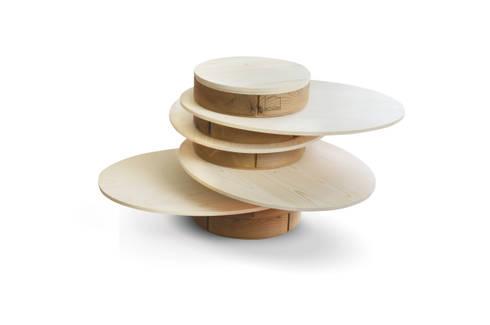Hula Hoop: Soggiorno in stile in stile Scandinavo di B+P architetti