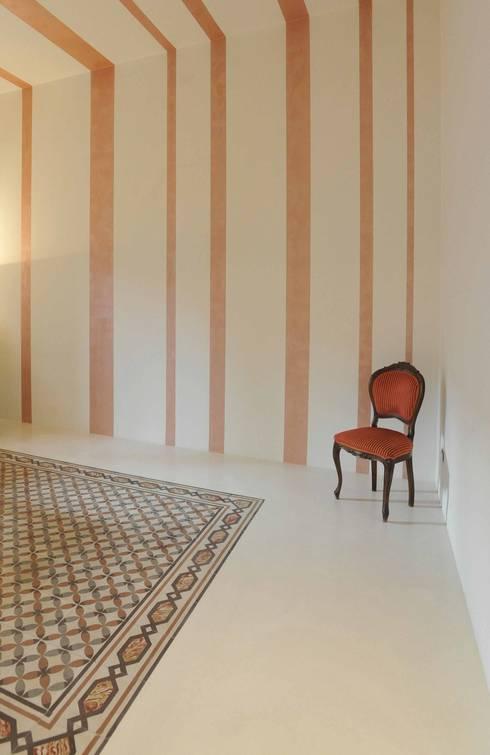 Interior Irsina_MATERA: Soggiorno in stile in stile Moderno di B+P architetti