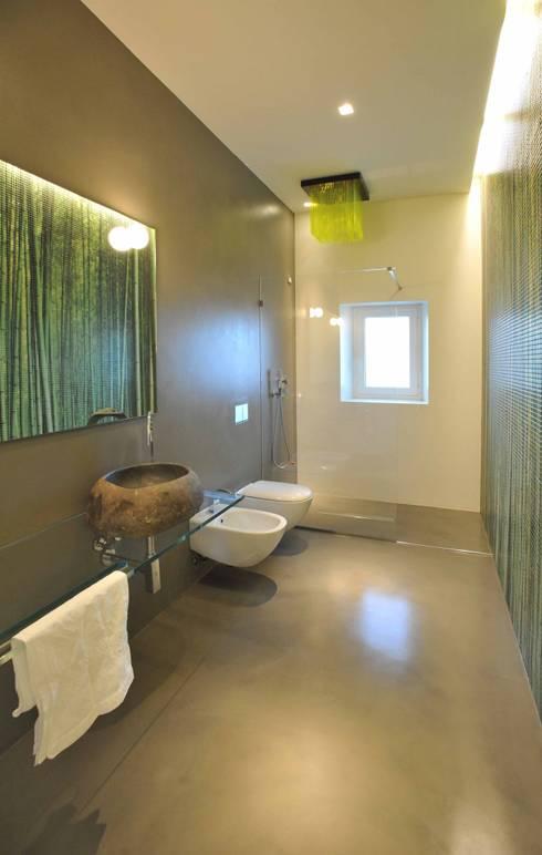 Interior Irsina_MATERA: Bagno in stile in stile Moderno di B+P architetti