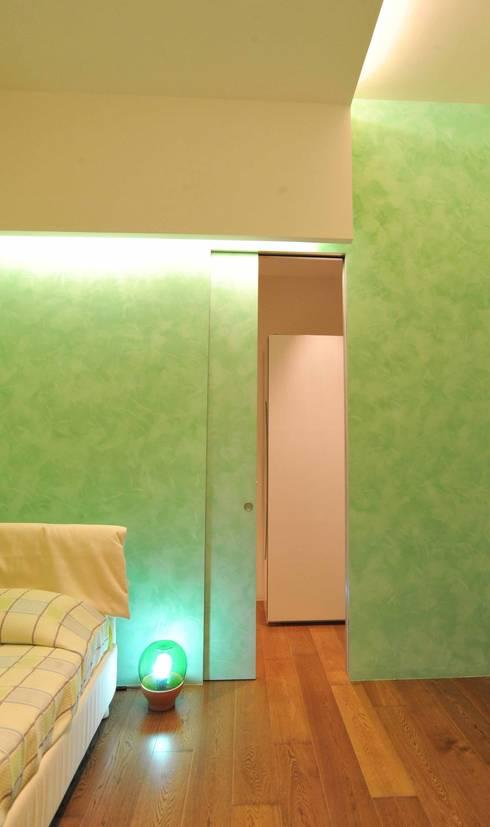 Interior Irsina_MATERA: Camera da letto in stile in stile Moderno di B+P architetti