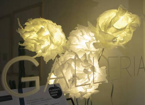 Lightgrown: Soggiorno in stile in stile Eclettico di Serena Fanara