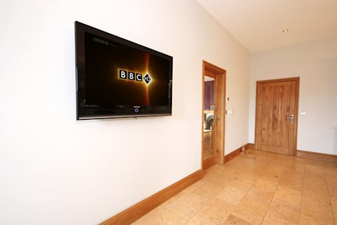 South Yorkshire Home Automation:  Corridor & hallway by Inspire Audio Visual