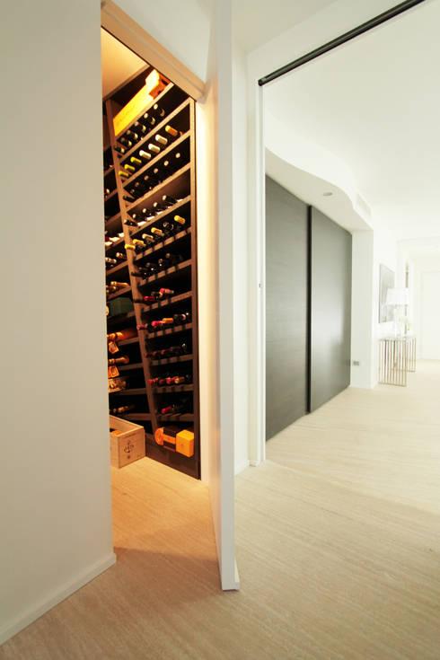 Casa L_01: Cantina in stile in stile Moderno di Gimmigi Lab Architettura