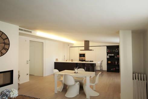 Casa L_01: Sala da pranzo in stile in stile Moderno di Gimmigi Lab Architettura