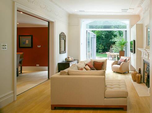 Belsize Park: modern Living room by Hélène Dabrowski Interiors