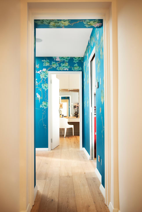 Kensington:  Corridor & hallway by Matteo Bianchi Studio
