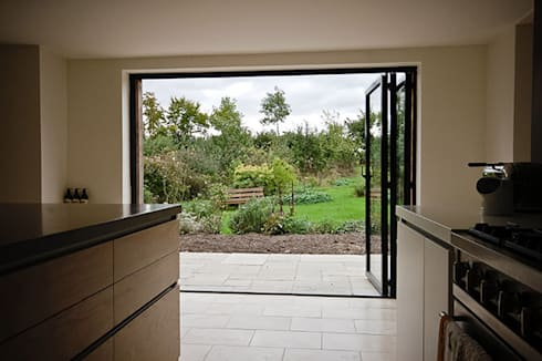 Paddock End: country Garden by Seymour-Smith Architects