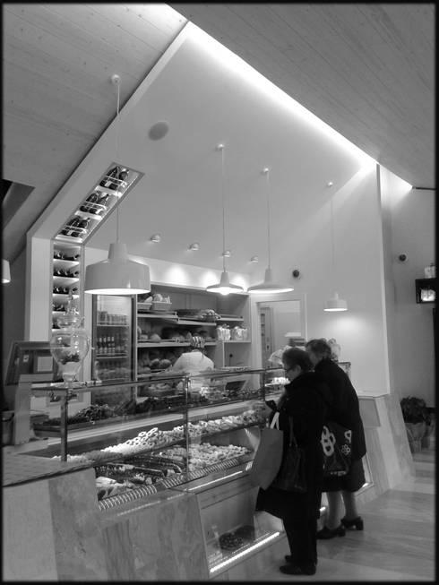 Panificio iPETRONELLA: Negozi & Locali commerciali in stile  di Pasquale Gentile Architetto
